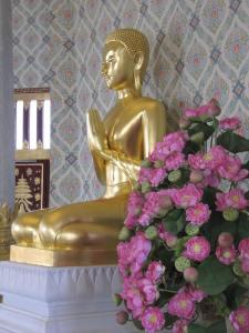 gold buddhas 001
